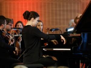 Olga Scheps am Klavier; Foto: Dettmar