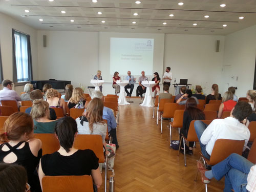Podiumsdiskussion beim ersten Fachbereichstag im Juli 2015