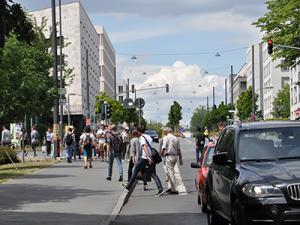 """""""Ameisenstraße"""" an der Hansaallee; Foto: D. Frank"""