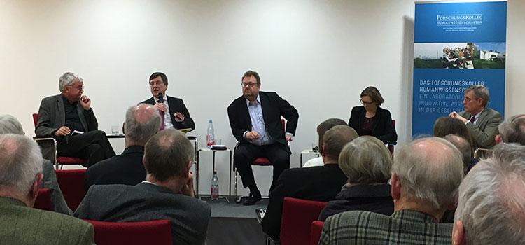 Prof. Christoph Deutschmann; Prof. Karl-Heinz Paqué; Moderator Jürgen Kaube; Dr. Lisa Herzog; Prof. Werner Plumpe (v. l. n. r.). Foto: Frank
