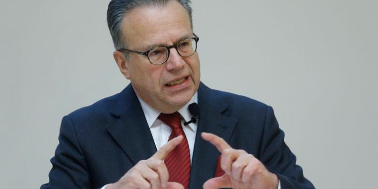 Frank-Jürgen Weise, Leiter des Bundesamtes für Migration und Flüchtlinge, stellte an der Goethe-Uni sein Konzept zu beschleunigten Asylverfahren vor.