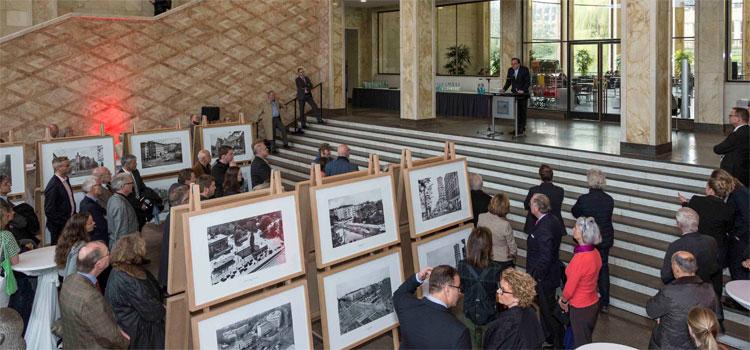 Eröffnung der Ausstellung Plätze in Deutschland 1950 und heute im IG-Farben-Haus; Foto: Detlef Podehl