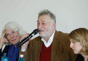 Micha Brumlik neben Jutta Ebeling (l.) und Alisa Siegrist. Foto: Dettmar