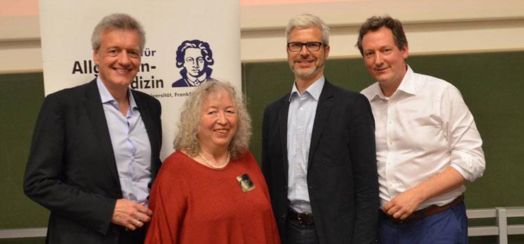 """Dr. Eckart von Hirschhausen (links) eröffnete die Ringvorlesung """"Was hilft heilen?"""". Prof. Annelie Keil und Prof. Tobias Esch, Prof. Ferdinand M. Gerlach,"""