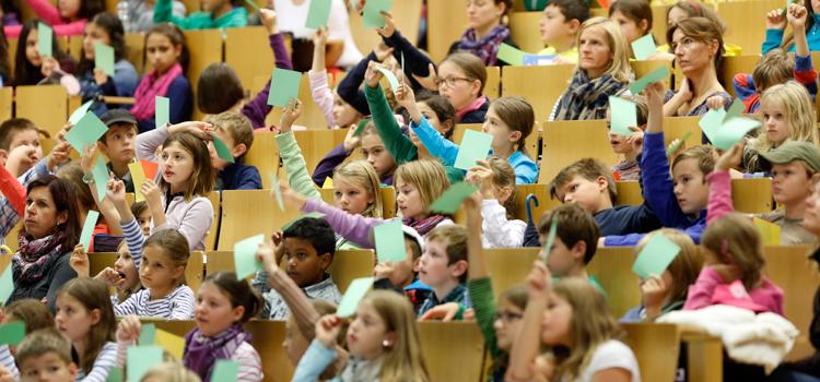 Vom Drittklässler bis zur Oberstufe: Die Goethe-Universität hat Kindern und Jugendlichen einiges zu bieten