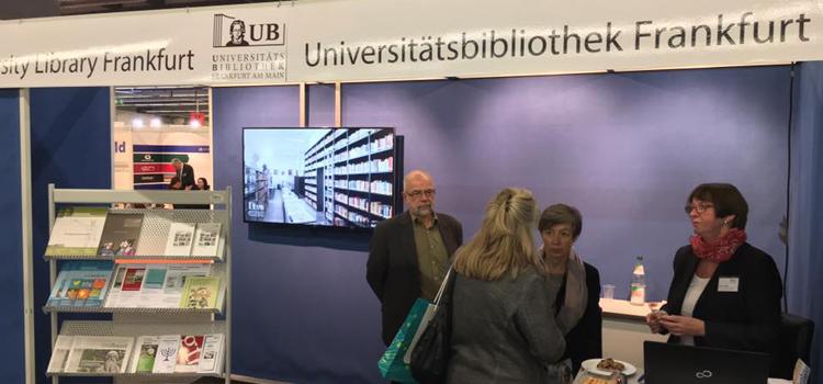 Start der Buchmesse Frankfurt (19.-23.10.2016). Auch die Goethe-Universität ist auf der Messe vertreten: in Halle 4.2, Stand N74. Studierende zahlen gegen Vorlage Ihres Studierendenausweises nur 16,- EUR.