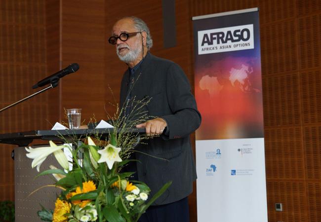 Homi K. Bhabha sprach auf der AFRASO-Konferenz über Migrationsbewegungen nach Europa; Foto: Stefan Schmid
