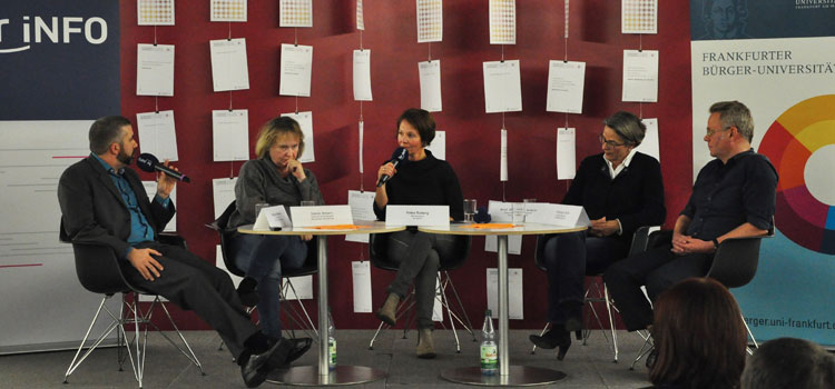 Auf dem Podium diskutieren: Prof. Julika Griem, Christian Buß, Liane Jessen und François Werner. Moderation: Petra Boberg; Foto: Benjamin Andre