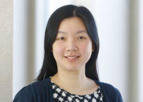 Prof. Yee Lee Shing ist neuerdings Professorin für Entwicklungspsychologie an der Goethe-Universität. Sie brachte einen ERC Starting Grant zur Erforschung des Vorhersage-Gedächtnisses mit nach Frankfurt. (Foto: Uwe Dettmar)
