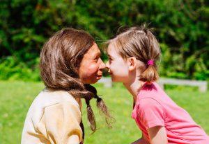 Nicht viel anders als heute: Ausgefallene Milchzähne von Neanderthaler-Kindern verraten, das sie etwa zur gleichen Zeit abgestillt wurden wie heutige Kinder. Copyright: Neanderthal Museum, Mettmann