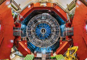 Am ALICE-Detektor des Teilchenbeschleunigerzentrums CERN werden künftig Hyperonen vermessen werden. Wissenschaftler der Goethe-Universität sind Teil der ALICE-Kollaboration. Foto: CERN