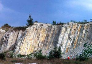 Salzgitter-Salder: Eine perfekte Gesteinsschichtenabfolge über 40 Meter. (Foto: Silke Voigt, Goethe-Universität Frankfurt)